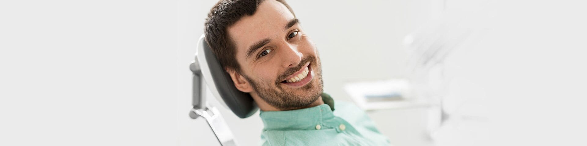 How Long Do You Have to Wait to Get Dentures After Your Teeth are Extracted?